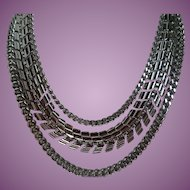 Vintage Coro Silver Tone Necklace - Old but Modern!