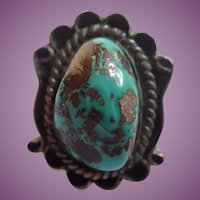 Vintage Navajo Style Native American Ring - Large Raised Piece of Turquoise