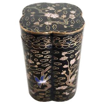Chinese Cloisonne Opium Box - Clover Shaped Black Enamel w/ Bird Motif
