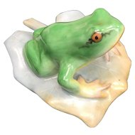 Herend Frog on Leaf Green Lifelike Colors 5355 Hand Painted Figurine