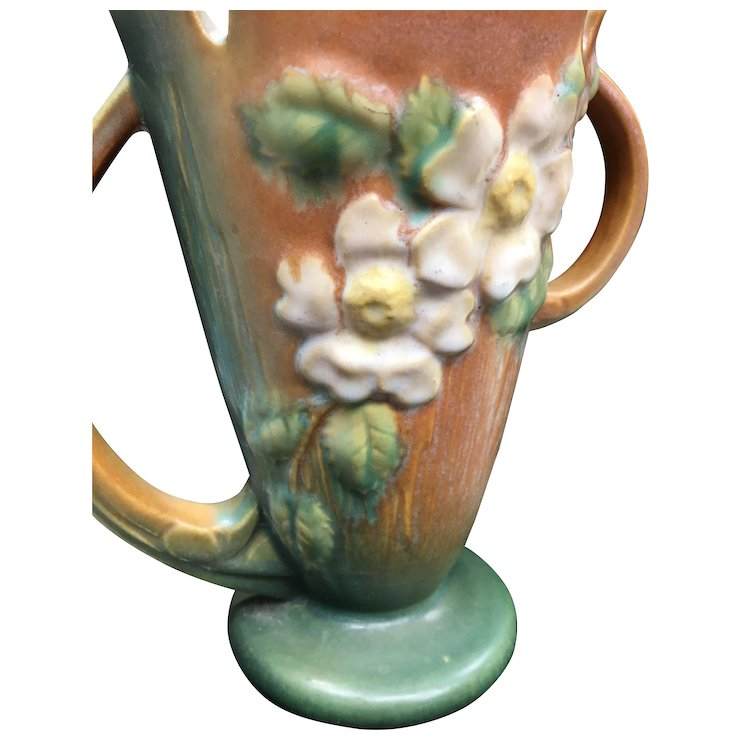 Roseville Magnolia Vase The Antique Gallery Pa Ruby Lane