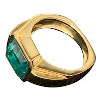 14K Yellow Gold Ring with Rectangular Emerald