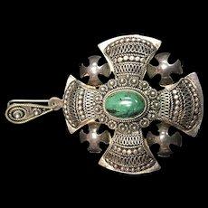 Silver Pendant with Malachite Center Stone
