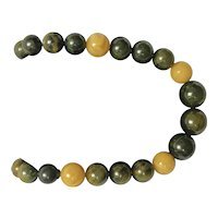 Bakelite Style Beaded Necklace
