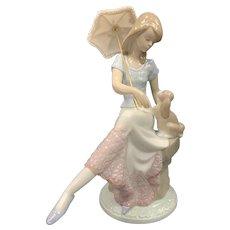 """Lladro Figurine 07612 """"Picture Perfect"""" in Original Box"""