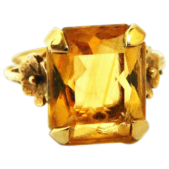 Stunning citrine and 9k gold cocktail ring