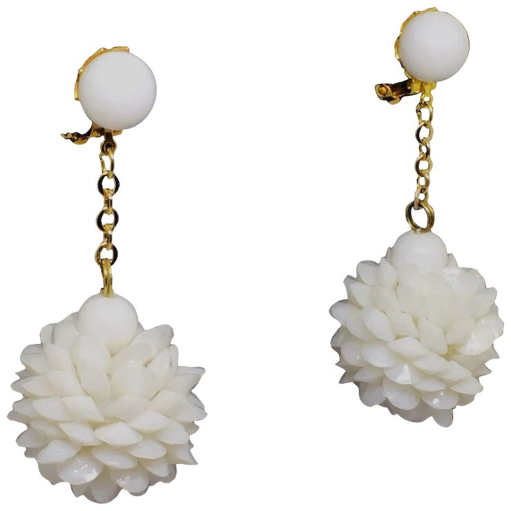 Vintage Retro White Plastic Dangle Earrings 60s Hong Kong