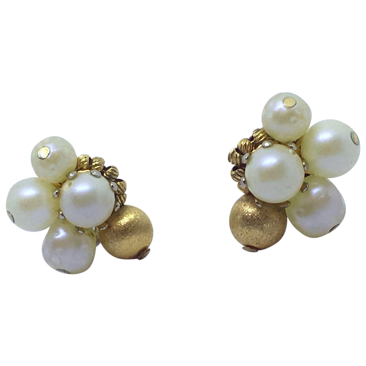 476cd5854a68b Hattie Carnegie Signed Clip Earrings Faux Pearl