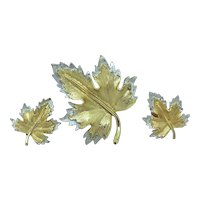 Sarah Coventry Signed Set Nature's Choice Maple Leaf pin & Earrings