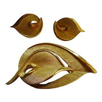 Trifari 50´s leaves 3pc  Brooch & Earring Set