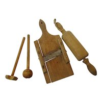 30´s  German wooden Dollhouse Cook Set