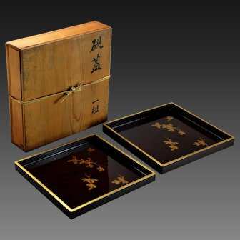 Antique Boxed Set of Black & Gold Japanese Lacquer Nesting Trays