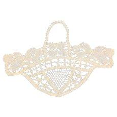1920's cotton Basket  lace motif