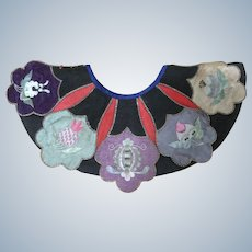 Late 19 th Century Chinese Child's Embroidered collar