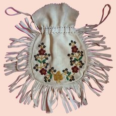 1920's American Indian Doe skin bag