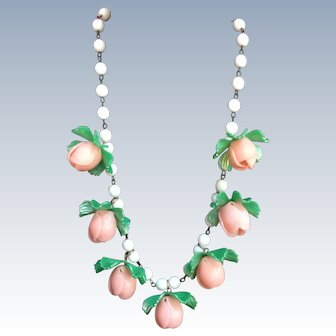 1950's Plastic Pink Rose  flower necklace