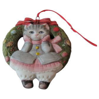 Kitty Cucumber Cat and Wreath Christmas Ornament Schmid by B. Shackman 1985