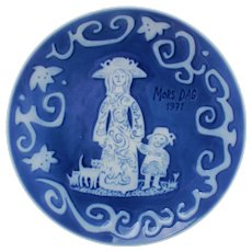 MOTHER'S DAY 1971 Plate by Royal Copenhagen grade A! Classic Danish design. Vintage collectible porcelain plate with cobalt blue glaze