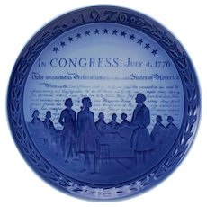 ROYAL COPENHAGEN Commemorative porcelain plate with blue glaze - United States Bicentenary Plate, 1976. Danish vintage design