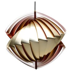 KONKYLIE (Conch) pendant by Louis Weisdorf, LYFA, 1963. Danish mid-century design. Amazing and extremely attractive golden ceiling light