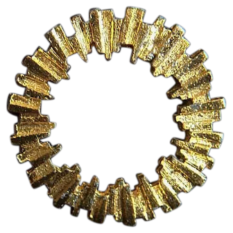 Fantastic Vintage Round Gold Tone Pin in Futuristic Design