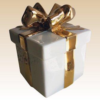 Mikasa Holiday Elegance Collection, White Porcelain Trinket Box