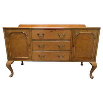 English Burled Walnut Sideboard Or Buffet With Queen Anne Legs