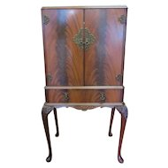 Vintage English Cocktail Cabinet Or Bar Cabinet