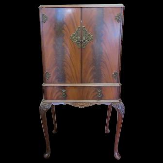 Vintage English Cocktail Cabinet Or Bar Cabinet