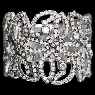 Very Beautiful Vintage 18k White 18k Gold 250 Brilliants Diamond Fashion Cocktail Ring