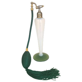 1922 Vintage Devilbiss Fry RARE GREEN BASE White Opalescent Glass Perfume Atomizer Bottle