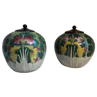 Pair of 19th-Century Chinese Cabbage Leaf Jars