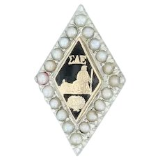 Sigma Alpha Epsilon Badge 18k White Gold Pearl Black Enamel SAE Fraternity Pin