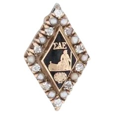 Sigma Alpha Epsilon Badge 14k Yellow Gold Pearl Black Enamel SAE Fraternity Pin