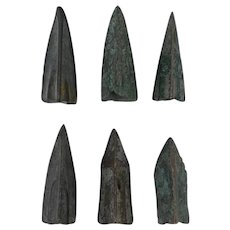 Lot of 6 Ancient Weaponry Arrowheads Trilobate Triblade Pyramid Patinaed