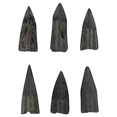 Lot of 6 Ancient Weaponry Arrowheads Patinaed Trilobate Triblade Pyramid