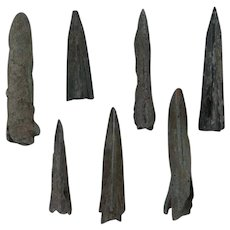 Ancient Mayan Weaponry Arrowheads Triblade Trilobate Pyramid Patinaed Lot of 7