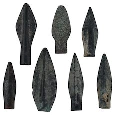 Ancient Weaponry Arrowheads Biblade Rib Blade Pyramid Patinaed Lot of 7