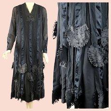 Vintage 20s 1920s Black flapper dress w spectacular ribbon work