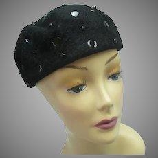Vintage 1950s black velour hat