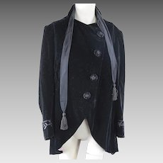 Antique Edwardian 1910 fancy gothic black velvet jacket