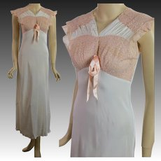 Vintage 40s 1940s WWII era womens  lace nightgown