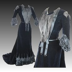Antique Victorian Gothic midnight blue velvet afternoon gown circa 1900