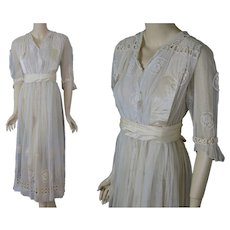 Antique Edwardian 1910's embroidered net tea gown dress