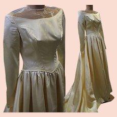 Vintage wedding gown bridal 1940s satin massive train long sleeve