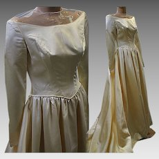 Vintage wedding gown bridal 1940s satin massive train long sleeve