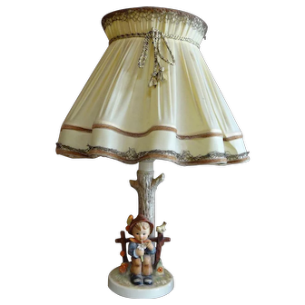 """Hummel Table lamp """"She Loves Me"""" with original shade #227 TM5"""