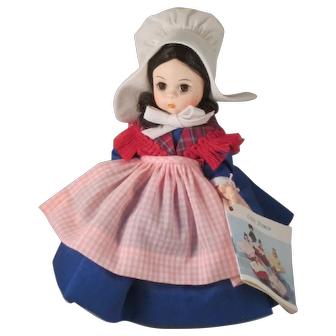 Madame Alexander International Doll Belgium 562 Vintage 1983
