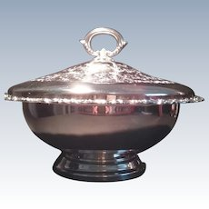 Wm. A. ROGERS Royal Provincial Silverplate Soup Tureen Bowl with Lid