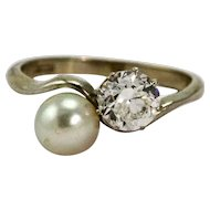 18 Carat White Gold Natural Pearl and 1 Carat Diamond Crossover Moi et Toi Ring